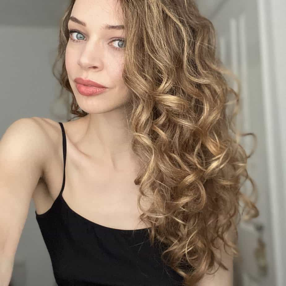 does colouring hair affect curl pattern?